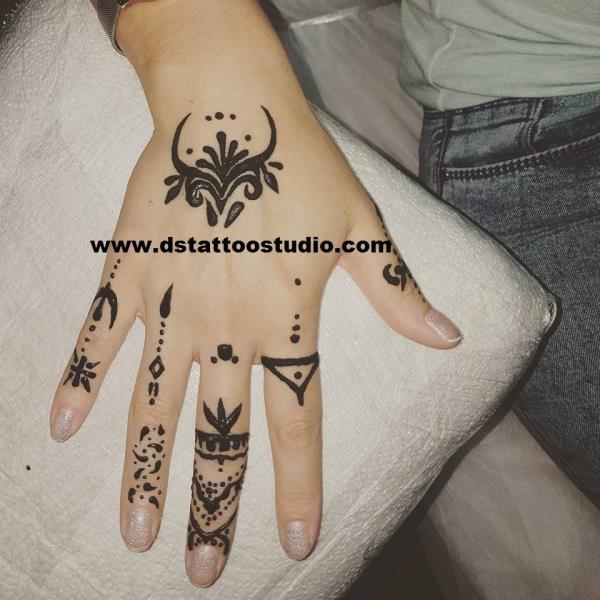 d s tattoo studio